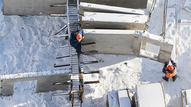 7 tips to prepare contractors for working in cold weather